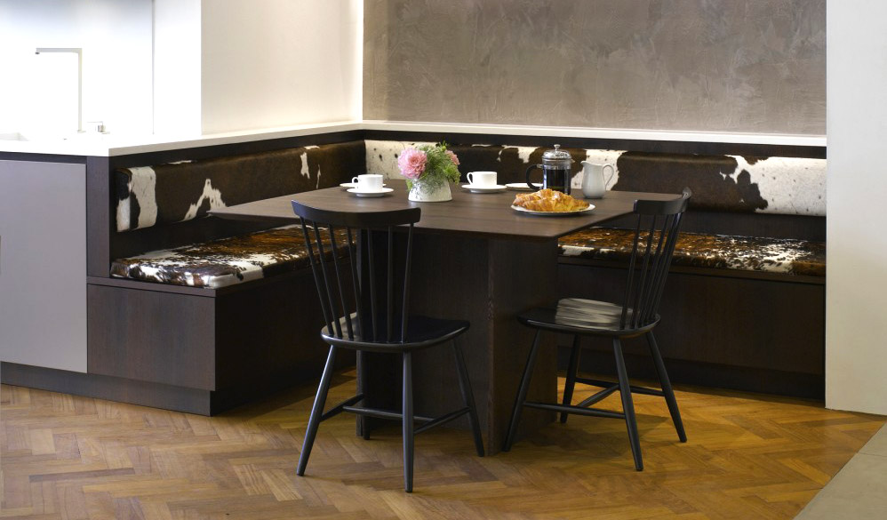 Roundhouse banquette style seating a solution to modern dining kitchens kitchens kbb - Banquettes in kitchens ...